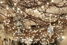 White Lights, Christmas Lights, Garden Lights, String Lights / Get Your Glow on: Favorite outdoor, backyard, and garden lighting ideas with string lights, uplighting, and moonlighting.