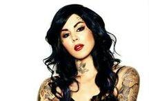 Capelli Nero Black hair / Scuri , profondi , lucidi , black il colore della notte .