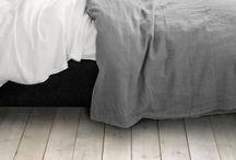C o m f o r t / Linens, blankets, pillows/cushions, throws, textures, colours, black white grey colour fur accents