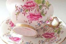 Чаепитие / Любимый зелёный чай да с клубничными пенками. Чайная посуда и живопись .