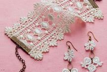 JEWELLERY AND ACCESORIES