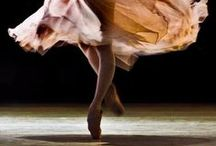 contemp / Looking at contemporary dance, and outfits, through the eyes of design and photography