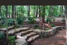 utilizzo della pietra / Pacciamature, contenimenti, scalinate, e tanto altro. La pietra, per creare piccole strutture, senza rinunciare alla naturalità