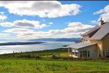 Les Éboulements / Les Éboulements offre un paysage d'une saisissante beauté avec une vue grandiose sur le fleuve et l'Isle-aux-Coudres, là juste en face, au pied de la montagne. / Les Éboulements offers beautiful scenery with breathtaking views of the majestic St. Lawrence and Isle-aux-Coudres at the foot of the mountain. www.tourisme-charlevoix.com