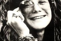 Janis Joplin / What a lady, what a singer just singing it as she lives it!  What a time in society to be a musician.  Seems that I am attracted to pin pictures of musicians that have lived their lives bright as a burning star, that have died from their own enthusiasm and freedom to live it to the fullest!