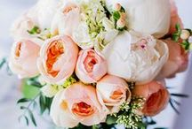 Wedding flowers with a vintage twist / Beautiful vintage inspired wedding flowers but also great for boho, festival or classic weddings
