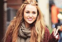 Miley Cyrus / i wish i had her long wavy hair <3