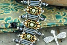 Jewelry: DIY Beading patterns & techniques