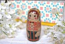 MAKIE:Matryoshka dolls / Matryoshka dolls made by Hakucho.  Makie is a Japanese laquer(urushi) technique drawing with gold and silver powder and shells.