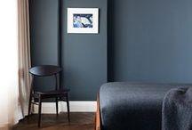 PODLOGA, DRZWI, ŚCIANY MW / PODLOGA- jodelka francuska, parkiet klasyczny, kolor praktyczny SCIANY- jasne, ewentualnie pastelowe kolory, listwy dekoracyjne DRZWI- preferowane biały kolor z ramami
