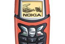 telefon / Näillä puhelimilla on yhteyksiä hoidettu.