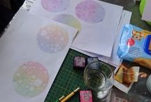 Workshop Gelli Plate met Distress Inkt - 29 april 2016 door Marianne Reijgersberg / Op 29 april  2016 gaf Marianne Reijgersberg een (leerzame) workshop om mooie achtergronden en kaarten te maken met Distress Inkt op de Gelli Plate.