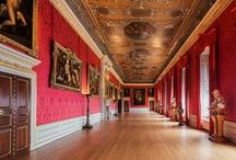 Walling / The Humphries Weaving Company has proudly been involved in many interesting walling projects. Our breadth of work spans Royal residences, historic buildings, museums, galleries and private residences. www.humphriesweaving.co.uk