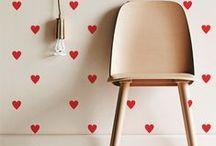 Adesivos Decorativos / Nossos adesivos decorativos de parede são versáteis para decorar. Escolha o seu e deixe sua casa do jeito que você sempre quis!