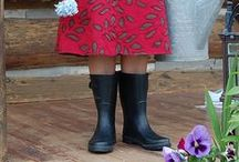 Country Chic / Country Chic is all about looking and feeling good while you garden, feed the chickens or you are out enjoying the sunshine.  We think rubber boots are a comfy fashion statement.