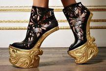 Fashion step / The art of fashion designers shoes.