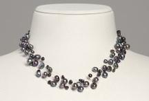 Colliers aus Perlen / Colliers aus Süßwasser-Zuchtperlen