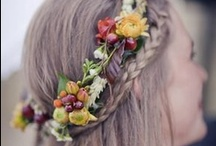 WeddingHairsAndMakeUps / by Carla Fluorescent
