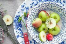 < Delicious fruit >