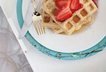 < Delicious breakfast >