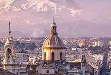 Voyager en Italie / L'Italie est l'un de mes pays préférés avec un patrimoine incroyable, des villes au centre historique incroyablement bien conservé, des musées extraordinaires, l'une des meilleures cuisines du monde, et de beaux paysage. Allez, venez je vous emmène ! De l'Emilie-Romagne aux lacs italiens en passant par la Toscane...