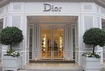 Luxe Shopping