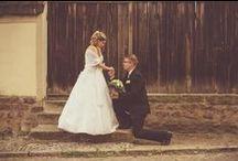 Hochzeitsfotografie / Lassen Sie Ihren schönsten Tag auf emotionalen Fotografien festhalten. Es gibt nur drei Sachen, die den Menschen erhält - Wissen, Liebe und Erinnerungen. Fotografien helfen uns zu erinnern.  Ich begleite Sie an Ihren besonderen Tag auf Schritt und Tritt und fange die Emotionen der Hochzeitszeremonie ein.  Nur wo Liebe ist, ist auch Leben.