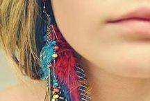 Jewelry | Earrings / by Daisy Osinga
