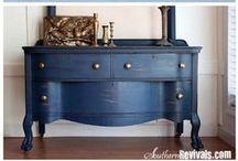 Furniture Makeover / by Daisy Osinga