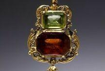 antique jewellery / from prehistory to the IXX century