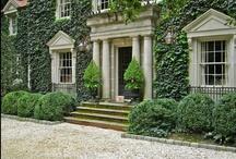 LIVING. / Great exterior home and garden ideas