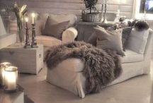 mood luxe / Creating a moody luxe vibe full of texture