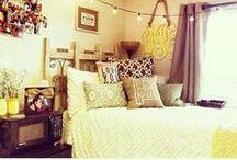 Dorm Room Inspiration / Ideas for decorating and arranging your dorm room.