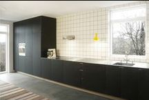 Nebbegårdsbakken / Nicolaj Bo ™ has designed, built and installed this kitchen in charcoal gray linoleum, as part of a general renovation of a villa overlooking Utterslev Mose in Copenhagen. // Minimalistisk snedkerkøkken i sort linoleum.