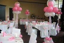 Trouwballonnen / Al vele bruiloften heeft BalloonXL aangekleed met ballondecoraties, van tafeldecoratie tot ballonboog, van ballon-oplating tot een complete dansvloer. Van klein tot groot, zij maken het voor u. Zij verzorgen verschillende ballondecoraties en trouwballonnen om deze speciale dag nog specialer te maken! Uiteraard is er nog veel meer mogelijk en kunnen zij u ruimschoots adviseren op het gebied van versiering met trouwballonnen voor uw huwelijk. www.balloonxl.nl