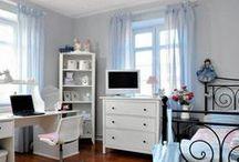 Pokój Zuzi inspiracje / pokój nastolatki w stylu paryskim nowoczesnym