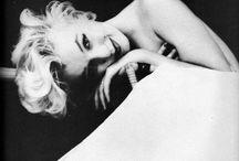 Monroe & happyskirtt