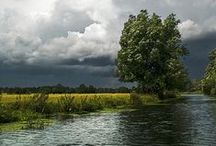 Constable Country in Suffolk / Dedham, Flatford Mill and the beautiful River Stour hardly altered since our greatest landscape painter, John Constable captured the surrounding countryside in his amazing paintings.