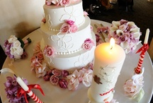 Wedding Cakes / Wedding cakes can be so beautiful, what are some of your favorite designs?