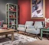 Woonkamers | Hoog.design / Bij de woonkamer inrichten zijn een aantal zaken belangrijk. U heeft een bepaalde ruimte, die u natuurlijk zo goed mogelijk wilt benutten. Misschien droomt u al jaren van een ruime hoekbank, maar weet u niet goed waar u deze in de ruimte kunt plaatsen of laat u liever design meubelen ontwerpen waarbij u zelf kiest welk materiaal er wordt gebruikt en in welke kleur het design meubel wordt uitgevoerd.