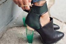 Fashionable Feet / by Alexea Negrete