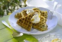 Waffeln, Pancakes & Wraps / Jedes Waffel- und Pancakes-Rezept lässt sich im Handumdrehen in ein Köllnflocken-Rezept abwandeln: Einfach 1/3 der Mehlmenge durch Köllnflocken oder Kölln Müsli ersetzten. Das funktioniert bestens und schmeckt dazu noch vollkorniger!