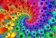 Fractals and other forms of vision / fractals, tesselations, kaleidospopic patterns, high magnification can all turn the ordinary into the extraordinary / by Carolyn Pranke
