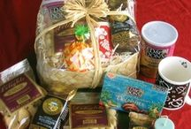 Hawaiian Gift Baskets and Bags / Made fresh in Hawaii With Our Aloha gift baskets and bags with Kona coffee, macadamia nuts, cookies, candies and more.  Spa gifts with natural Hawaiian soaps, lotions, bath crystals and perfumes.
