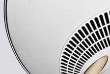 HiFi & Entertainment - BeoPlay by Bang & Olufsen / HiFi ist tot - es lebe die Musik!  Große schwere Hifi-Anlagen und wirre Verkabelung waren gestern: HiFi der 80er ist tot.  Musik pur, an jedem Ort, bequem verfügbar und steuerbar über Smartphones und Tablets, alles ohne raumgreifende technische Installationen.  Genau hier setzt die Produktauswahl bei danholt an. Bang & Olufsen, BeoPlay und Libratone sind Marken die diesen Trend maßgeblich setzen und mit Qualität überzeugen.