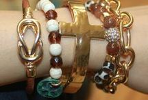 BRACELET COLLECTIONS / Mixing and matching bracelets is such a fun and fabulous way to accessorize! From mixing metallic shades to precious stones, JuJu's has them all. What an amazing way to express your style! Bracelets at JuJu's starting at $5!
