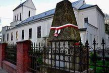 Obelisk Nowosielskich 1820 w Brwinowie / Intencją powołania Komitetu obchodów było skupienie licznych środowisk społecznych wokół ciągle aktualnej idei i postulatów upowszechnienia zasad moralnych w działalności politycznej.   Ujmując się za koniecznością pielęgnowania tradycji niepodległościowej pozwoliło działać na rzecz Polski, tak w kraju jak i za granicą.