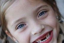 ΧΑΜΟΓΕΛΑ ::  SMILES / Μειδιαματα, προαγγελοι χαρας- Γελιο εκρηξη ενθουσιασμου