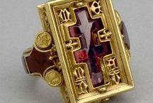 ΣΤΑΥΡΟΣ :: CROSS / Μαρτυριο - Κοσμημα - Εμβλημα - Συμβολο - Σχημα = Martyrdom - Jewel - Emblem - Symbol - Shape