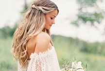 MOALOVE: long wedding hairstyles / If you are in love with long wavy hair, long loose curls, wispy waves, side swept hair or a sweetly fishtail braided hairdo, there's a wedding hairstyle for every bride with long hair. We have for you some interesting proposals hair adronments ideal for long hair on - http://www.moalove.pl/en/